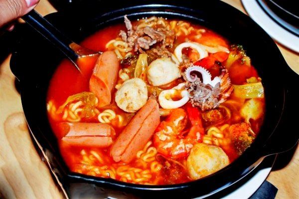 5 loại thực phẩm gây hại cho da